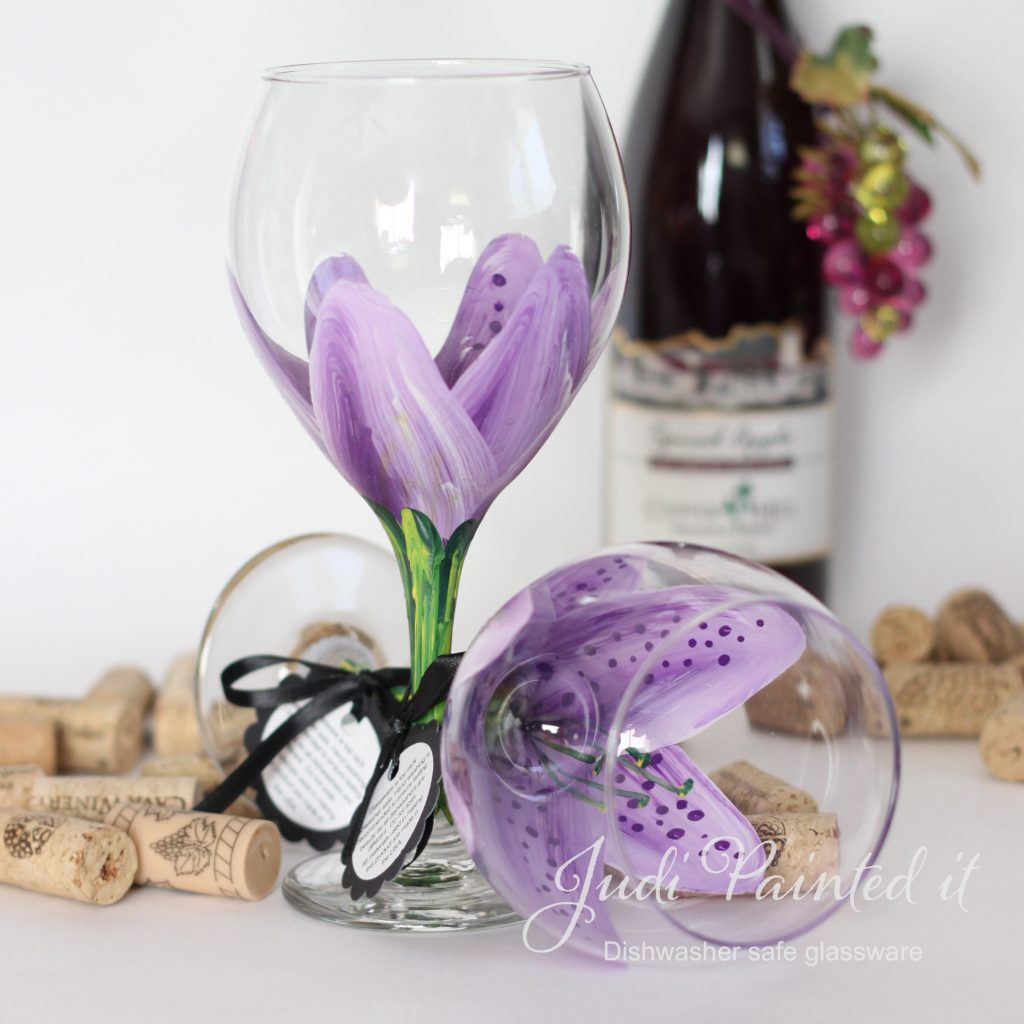 Violet pansy purple stargazer wine glass hand painted Images of painted wine glasses