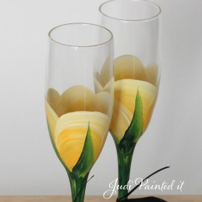 Sb yellow rose bud champagne flute