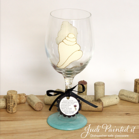 Conch shell wine glass