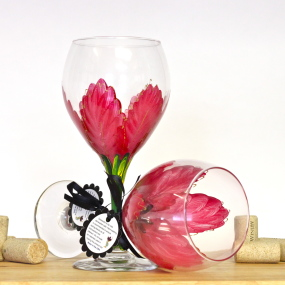 Red Poinsettia wine glass